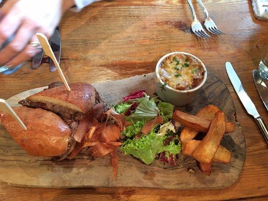 Brearton, UK: Steak Sandwich