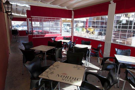Cafeteria Noguel's: OTRA VISTA DE  LA OTRA PARTE DE LA CARPA