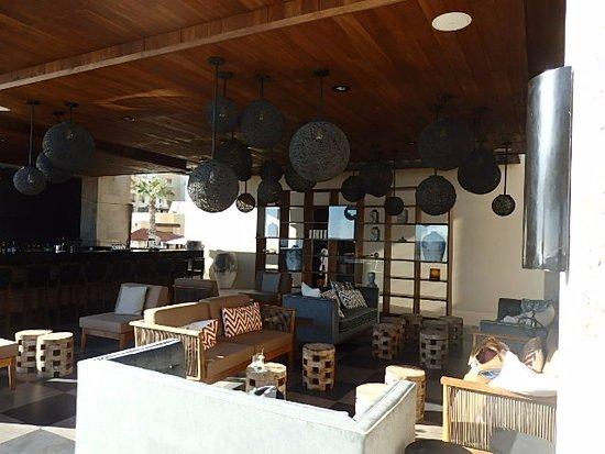 Pueblo Bonito Pacifica Golf & Spa Resort: Cozy Bar