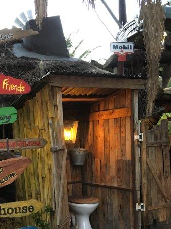 Joe's Beer House: Entrance
