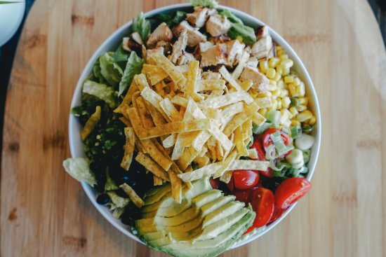 Greece, Nova York: Southwest Grilled Chicken & Wild Rice Blend Grain Bowl