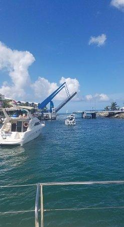 Simpson Bay, St. Maarten-St. Martin: Out through the bridge