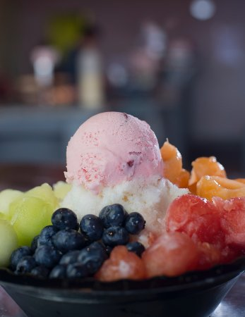 Nacogdoches, TX: Shaved Ice with Fruit