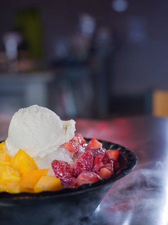 Nacogdoches, TX: Shaved Ice with ice cream, strawberries and mango.