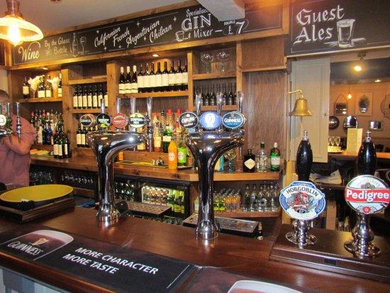 Cottingham, UK: The Bar