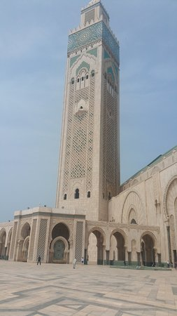 Hassan II Mosque: Colosal