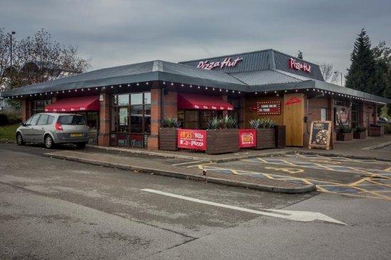 Pizza Hut Ashton Under Lyne Snipe Retail Park Manchester