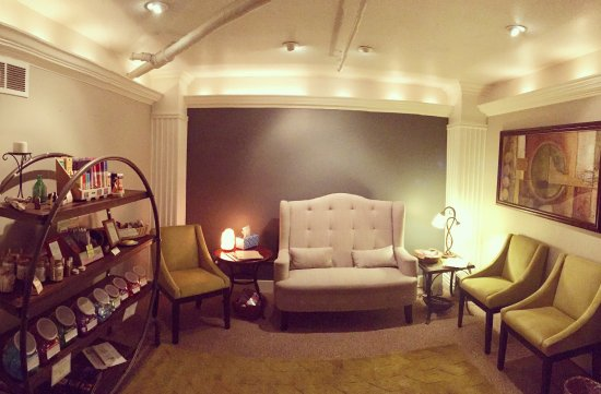 Fort Collins, CO: Our reception and wellness boutique