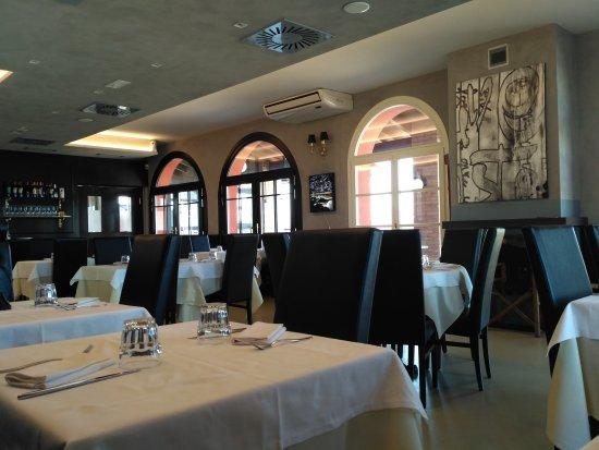 Montechiarugolo, Italien: Bel posto. Pranzato con menù fisso a 11€ ci si può stare,menù alla carta un po' caro.
