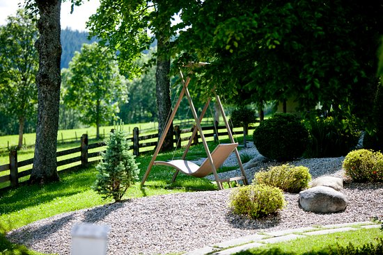 Garten Mit Schaukel Im Sommer Picture Of Hotel Ramsauhof Ramsau