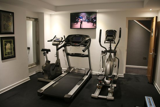 Ilfracombe Carlton Hotel : A well equipped gym includes mats, balls, free weights, kettle bells and cardio kit