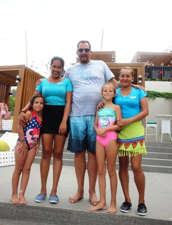 Fairways & Bluewater: Friendly staff at the Vertana Pool