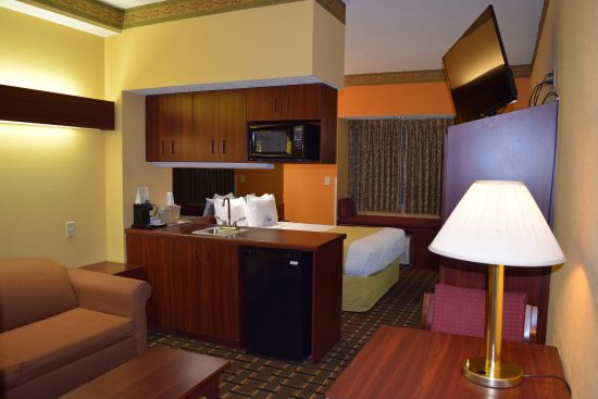 """Rock Hill, Carolina Selatan: Suite with 1 Queen Bed with 42"""" HDTV, 1 Cup Coffee Maker, Micro/Fridge, Kitchenette, Window Seat"""