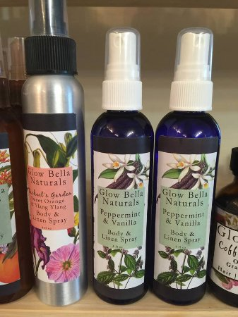 Wolfeboro, Nueva Hampshire: These body and linen sprays made with pure organic essential oils are irresistible!