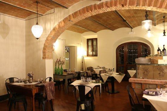 Gambassi Terme, Italien: Innenraum