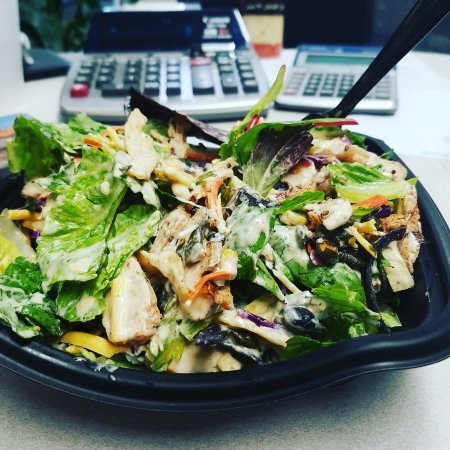 Cypress, TX: The spicy southwestern salad.  So flavorful, satisfying, and absolutely delicious!