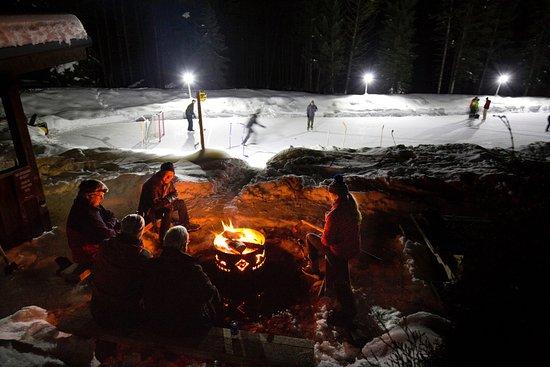 Radium Hot Springs, Canadá: Night time fun