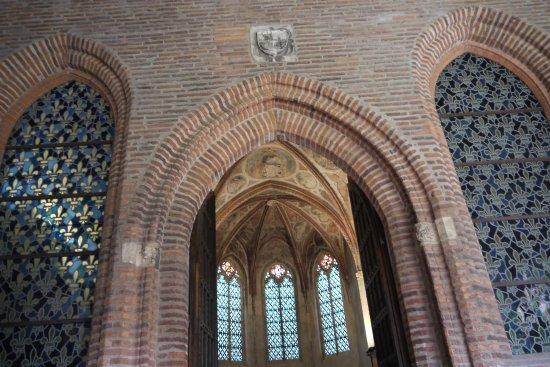 Église des Jacobins : L'entrée de la salle capitulaire