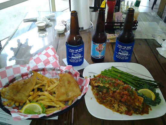 Redfish Willies Waterfront Grill: Redfish Basket & Chef Special Redfish with Creole Shrimp & Goliad Beer