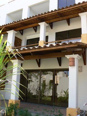 Tropical Gardens Suites & Apartments Resmi