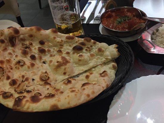 Bollywood Indian Restaurant: photo1.jpg