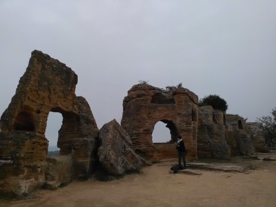 Valley of the Temples (Valle dei Templi): Tombe ad arcosolio