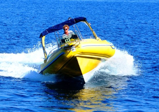Loggos, Grecja: Model: Stingher 747 RIB, Size: 7,50m x 3,20m, Engine:Mercury Verado 300 HP 4T, Max speed: 55 mil