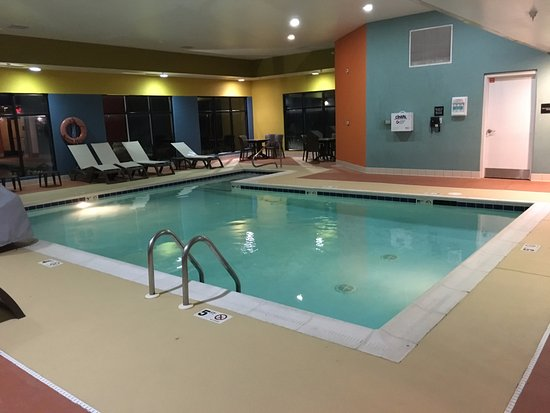 Plainfield, IN: Indoor Heated Pool
