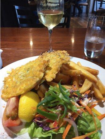 Greymouth, New Zealand: Whitebait fritter with Matawhero chardonnay