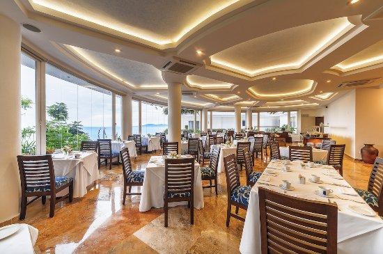 Grand Miramar All Luxury Suites & Residences: Casianos Restaurant