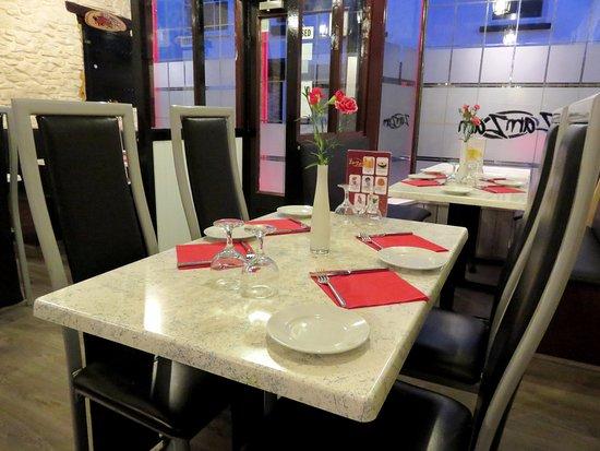 Росс-он-Уай, UK: Interior of Cafe Zam Zam in Ross-on-Wye (22/Mar/17).