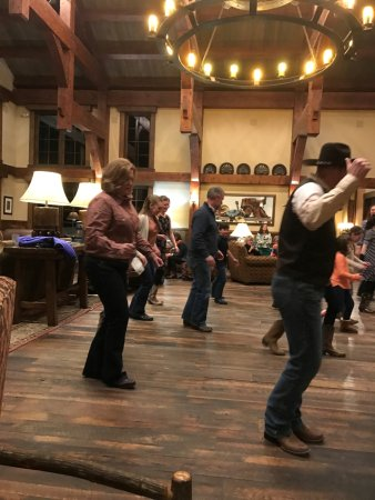 Clark, CO: Line dancing in the Great Room of the lodge