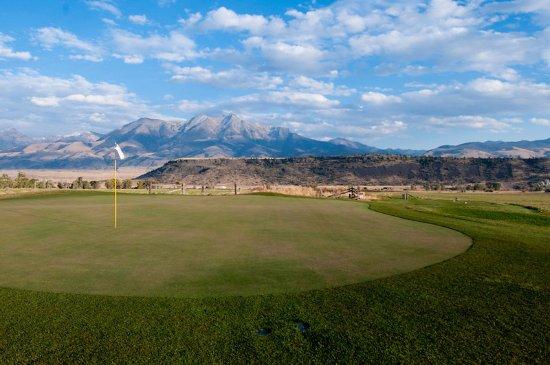 Émigrant, MT : Rising Sun Golf Course at Mountain Sky