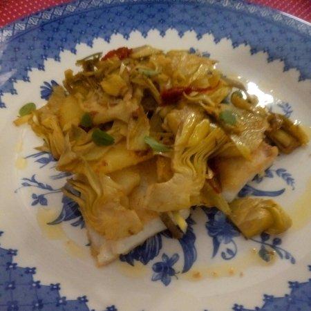 Filetto di orata con patate e carciofi di Albenga.