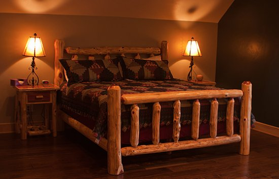 Woodland Park, CO: The gorgeous Loft Room at the Edgewood Inn!