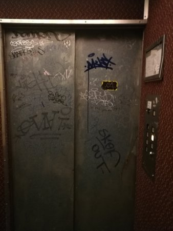 San Francisco International Hostel: Elevator