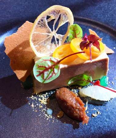 Orsieres, Switzerland: Creatively decorated foie gras starter