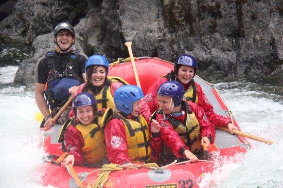 Taihape, Nueva Zelanda: Fun and smiles on the Grade 5 section of the Rangitikei River