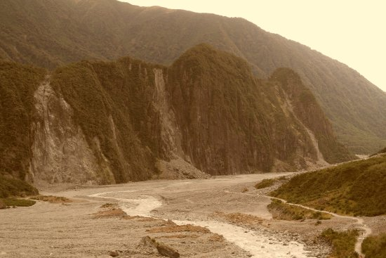 Fox Glacier, New Zealand: Looking back down the pathway