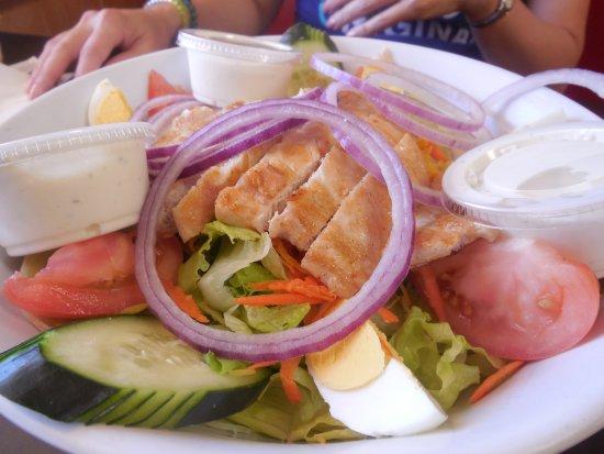 Pahrump, NV: Grilled Chicken Salad
