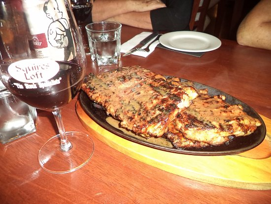 Subiaco, Australia: Ribs are a great starter. But never enough. Best ribs ever.