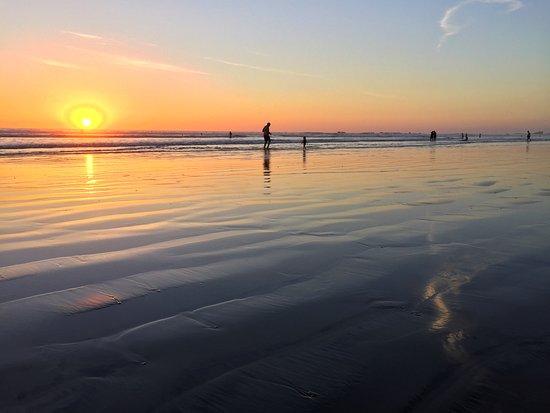 Harmony Hotel Nosara: Beach at Harmony Hotel at sunset