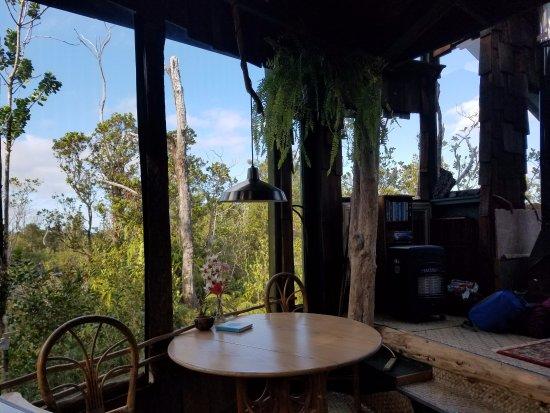 Treehouse Skye: dining area