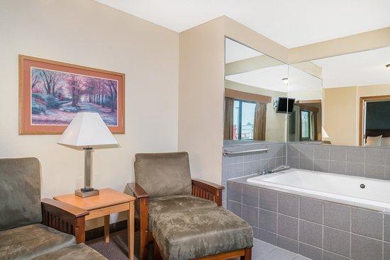 Days Inn Amp Suites Baxter Brainerd Area Updated 2017