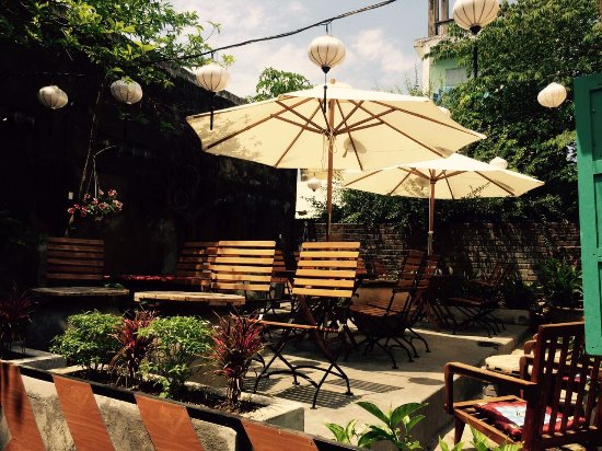 What Else Coffee: Nice, quiet and peacfull garden