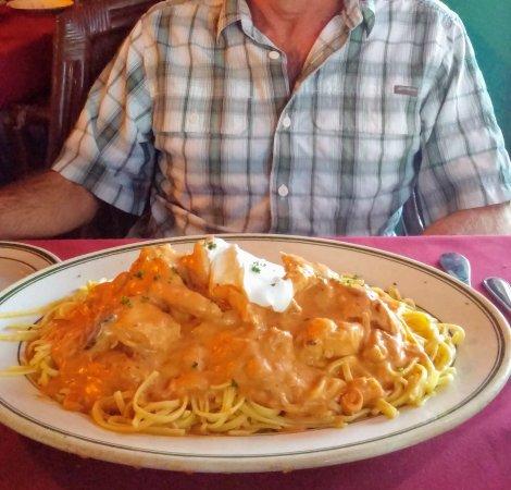 Bermuda Dunes, CA: Chicken Paprikash (on a 16 inch platter)