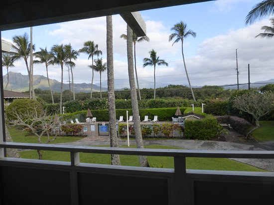 Plantation Hale Suites: view from the lanai