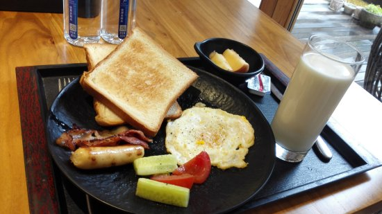 Yueqing, Chiny: Western breakfast