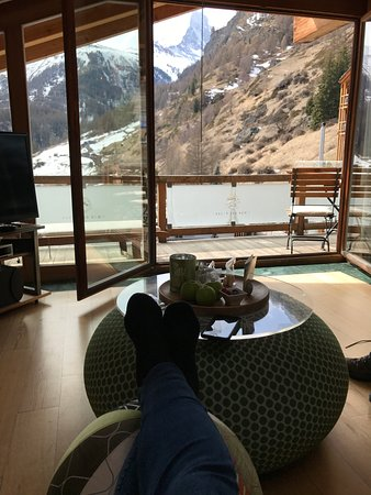 Coeur des Alpes: The view from the family room