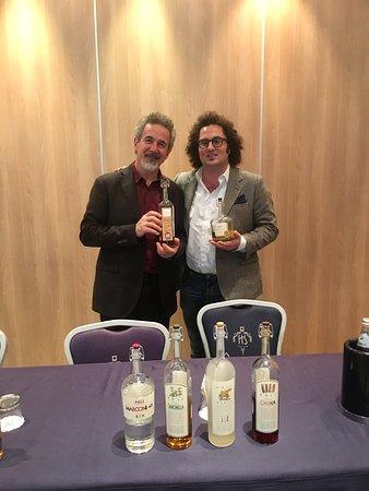 Casalecchio di Reno, Italia: Con Jacopo Poli a Lezione di Grappe #Poli #Distillerie #Grappa #Grappaartigianale #Dal1898 #Bass